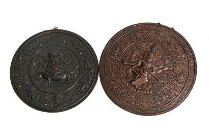 Tibet, XIXe siècle Deux médaillons en cuivre...