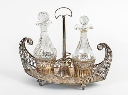 Oil and vinegar maker in the Directoire style in the shape of a nave in silver 950/1000...