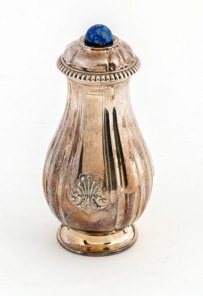 Regency style silver 950/1000 Regency style sprinkler Mug closed by a removable...