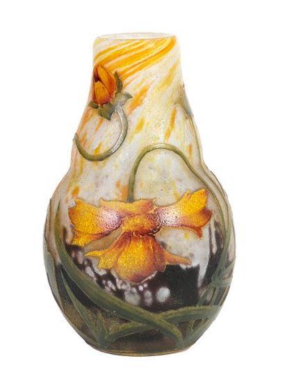 DAUM Nancy Petit vase balustre de style Art...