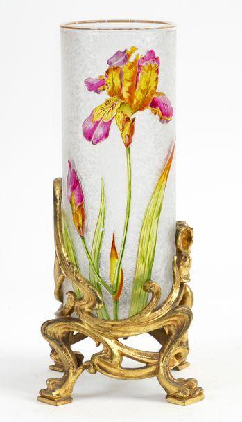 Attribué à MONTJOYE Vase rouleau de style Art nouveau en verre multicouche dégagé...
