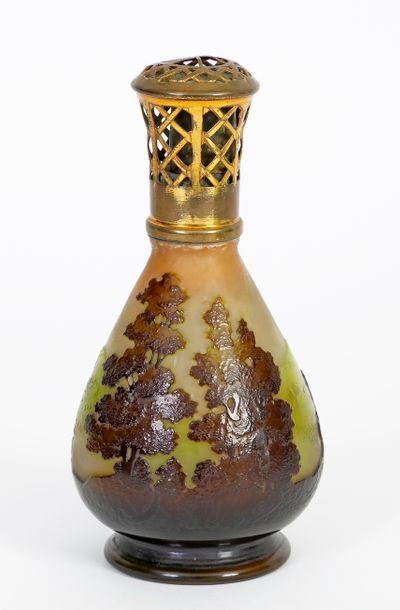 Émile GALLÉ (1846-1904) Lampe berger de style...