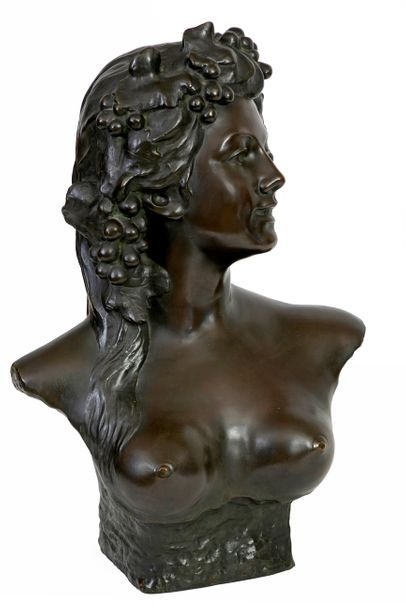 Jef LAMBEAUX (1852-1908) Bust of a disciple of Dionysus Bronze with brown-green...