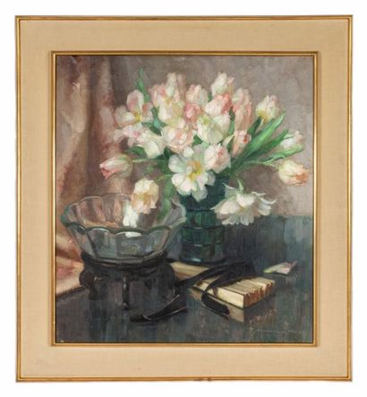 Marcel HESS (1878-1948) Still life with tulip vase Oil on canvas Signed lower right...