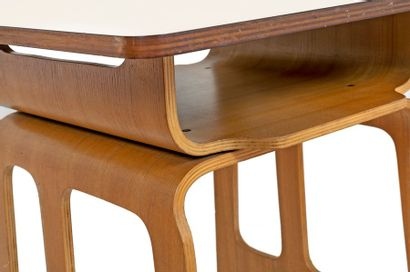 Jules WABBES (1919-1974) Moulded plywood school desk with rectangular vinyl-covered...
