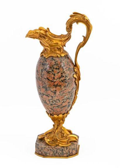 Aiguière décorative de style Louis XV en...