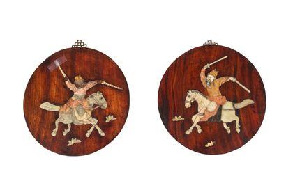 Chine, XIXe siècle Paire de panneaux en bois...