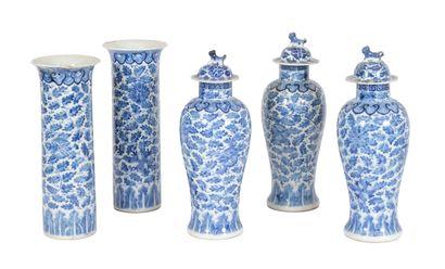 Chine, XIXe siècle Garniture cinq pièces...