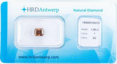 Beau diamant naturel de 1,08 ct. de couleur...