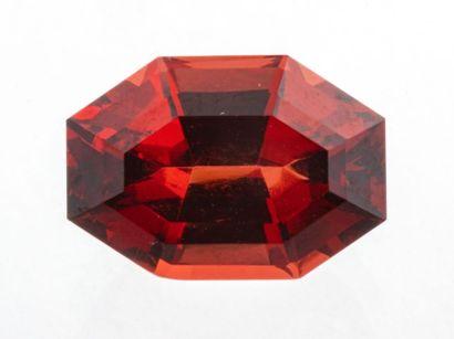 Fair trade stone Rhodolite garnet of 3.19...