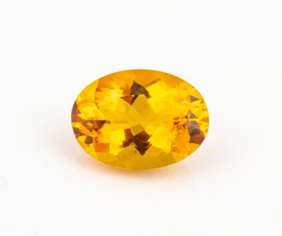 Very important oval citrine in saturated...
