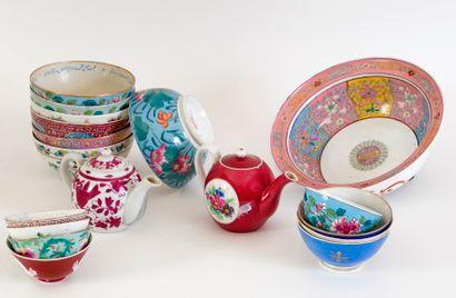 Important ensemble de porcelaine de la manufacture...