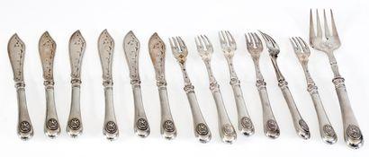 Série de 6 fourchettes, 6 couteaux et 1 fourchette...