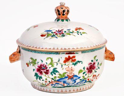 Chine, époque Qianlong (1736-1795) Soupière...
