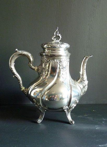Cafetière quadripode de style Louis XV en...
