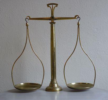 Balance en laiton Epoque: fin XIXè H.: 62...