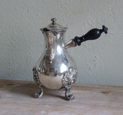 Cafetière tripode en argent 950/1000ème Poignée...