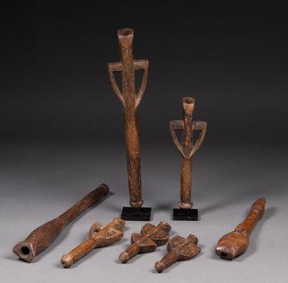 Ensemble de 7 flûtes de cérémonie Bois,...