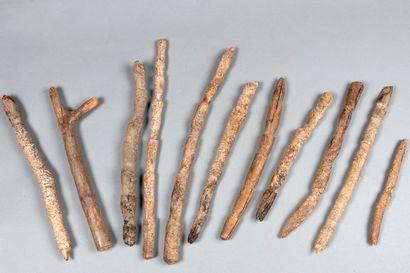Ensemble de 11 échelles rituelles Bois à...