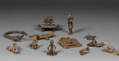 Ensemble de 12 bronzes divers Senoufo, Lobi,...