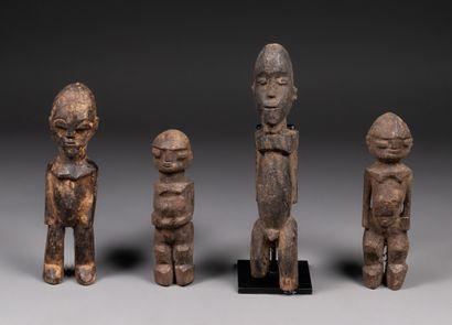 Ensemble de 4 statuettes anthropomorphes...