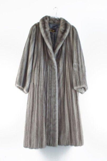 Manteau de femme en vison brun/gris  Très...