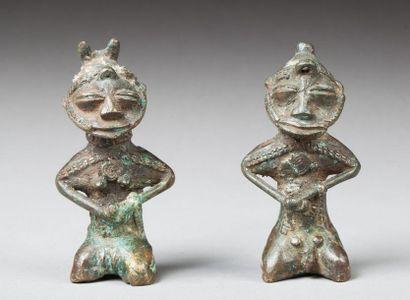 Couple de statuettes