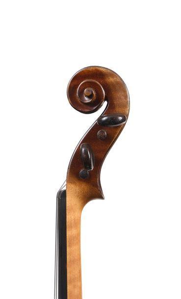 Violon Français fait par Sebastien Auguste DEROUX (1848 – 1919) dont il porte l'étiquette...