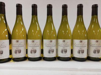 8 bouteilles de Bourgogne. 2017.Pouilly-Fuissé....