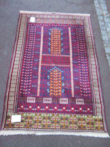 PAKISTAN Ancien tapis Hachlou, à décor géométrique...