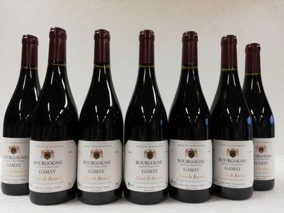 7 bouteilles de Bourgogne Rouge. Récolte...