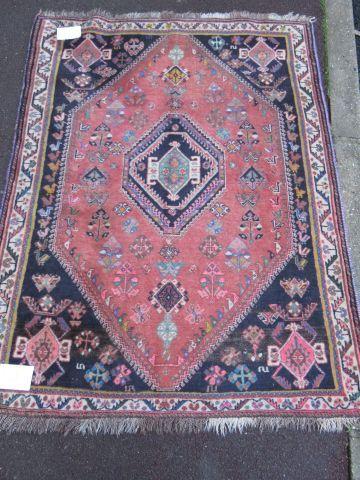 IRAN Tapis Abadeh en laine à décor géométrique...