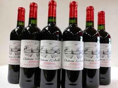 6 bouteilles de Château de l'Abeille. 2017....