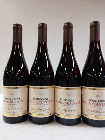 4 bouteilles de Hautes Côtes de Nuits. 2016....