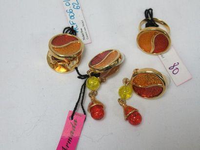 L'ARMADA Lot en métal doré émaillé, comprenant...