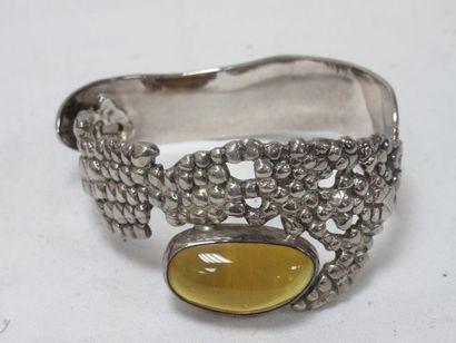 Bracelet rigide en argent, orné d'un cabochon...