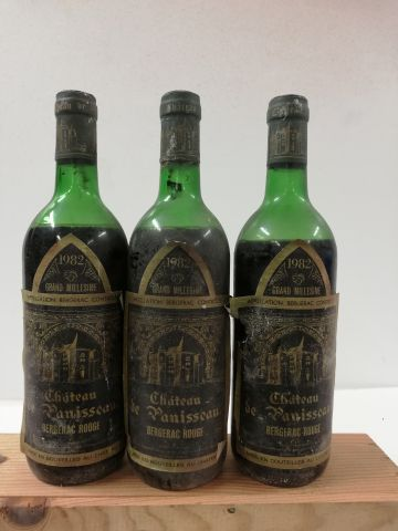3 bouteilles de Château Donisseau 1982 Bergerac...
