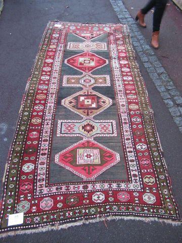 CAUCASE Ancien tapis Kazak en laine à décor...