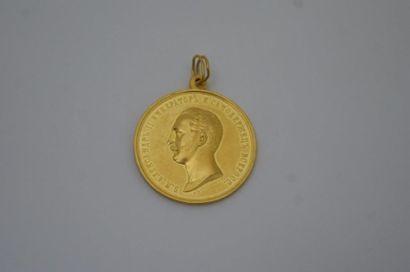RUSSIE Médaille en or jaune, figurant le...