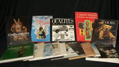 Lot de livres divers : Picasso, Collections...