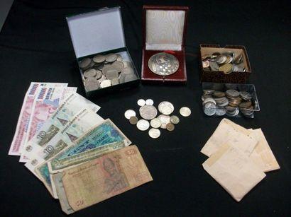 Petit lot de pièces de monnaie. France et...