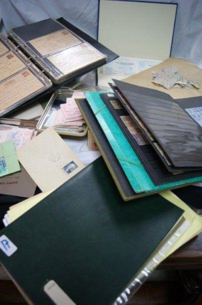 Lot de timbres fiscaux, timbres-amendes ...