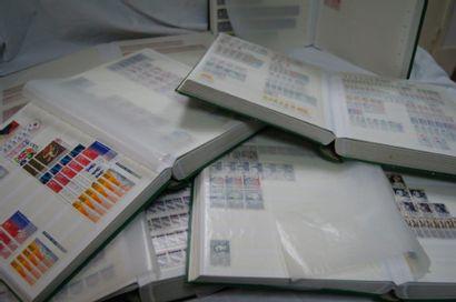 FRANCE Lot de 6 albums de timbres.