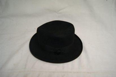 Chapeau en feutre noir italien Borsalino...