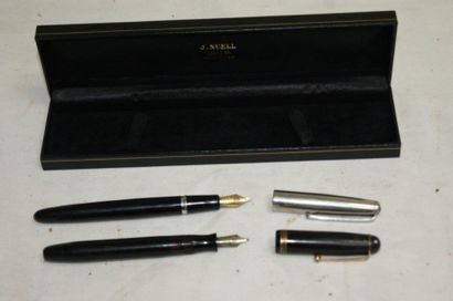 Lot de stylos plumes Parker dont un stylo...