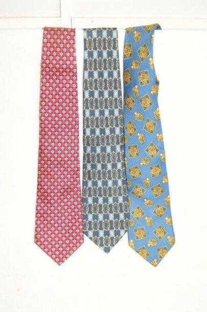 Lot comprenant 3 cravates en soie dont Dior,...