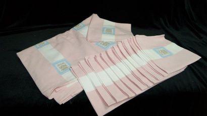 Service de table en lin/coton rose, comprenant...