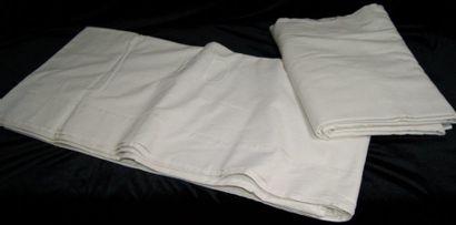 2 draps en toile de Gerardmer, dont un (220x320)...
