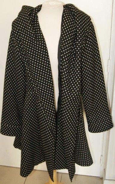 KENZO Manteau en laine noire à pois blancs....
