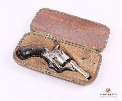 Revolver de poche calibre .22, canon de 4,4...